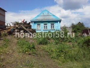 Старый дом на участке